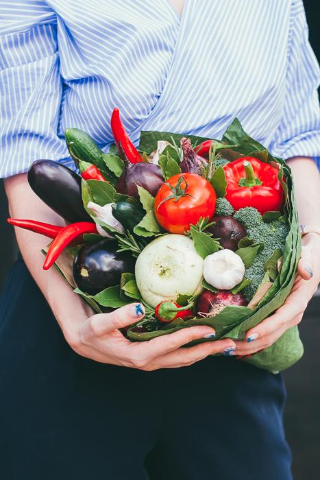 красивый фруктовый съедобный букет Москва Vegato STUDIO Вегато Кустурица