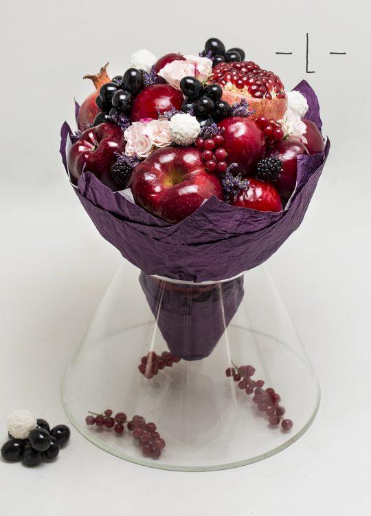 красивый фруктовый съедобный букет Москва Vegato STUDIO Вегато Клико