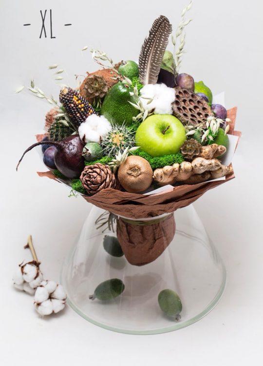 красивый фруктовый съедобный букет Москва Vegato STUDIO Вегато Карамба