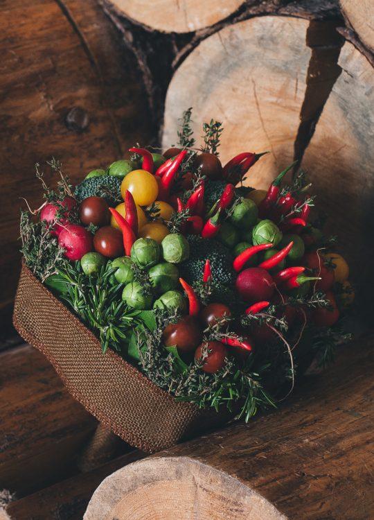 красивый фруктовый съедобный букет Москва Vegato STUDIO Вегато 6 соток