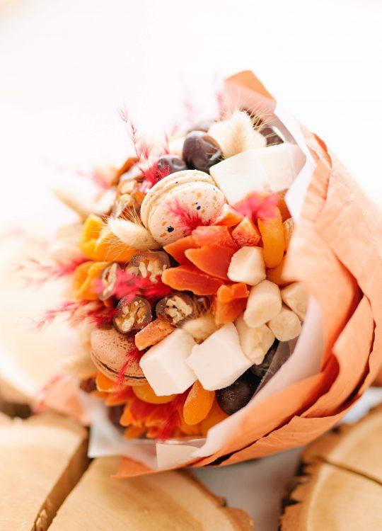 красивый фруктовый съедобный букет Москва Vegato STUDIO Вегато Шахерезада