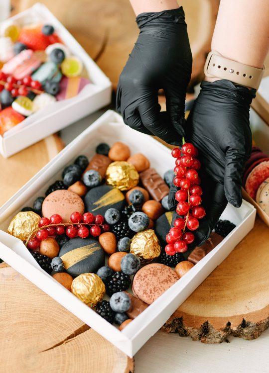 подарки наборы макаронс ягоды доставка Москва Vegato STUDIO Вегато Яшма