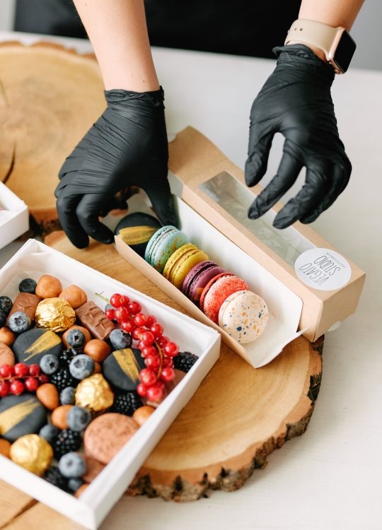 подарки наборы макаронс ягоды доставка Москва Vegato STUDIO Вегато